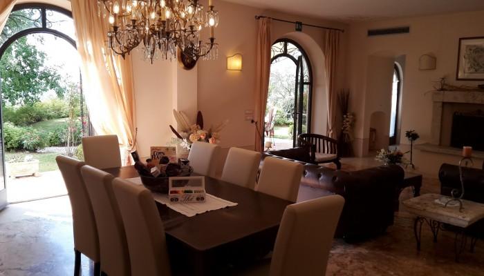 villa la valiana tuscany dining